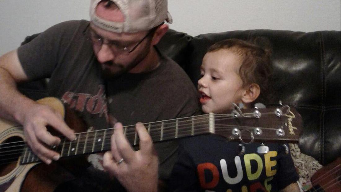 me-levi-guitar