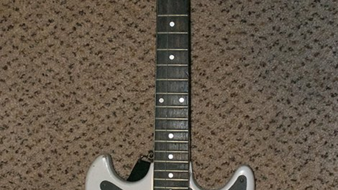 Harmony H803 Electric Guitar Front